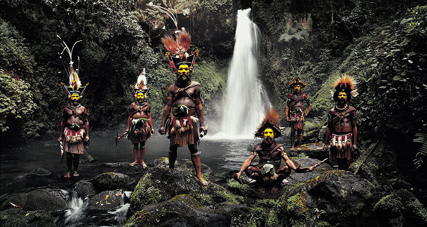 21 Stunning Pictures Of Isolated Tribes From All Around The Globe 8