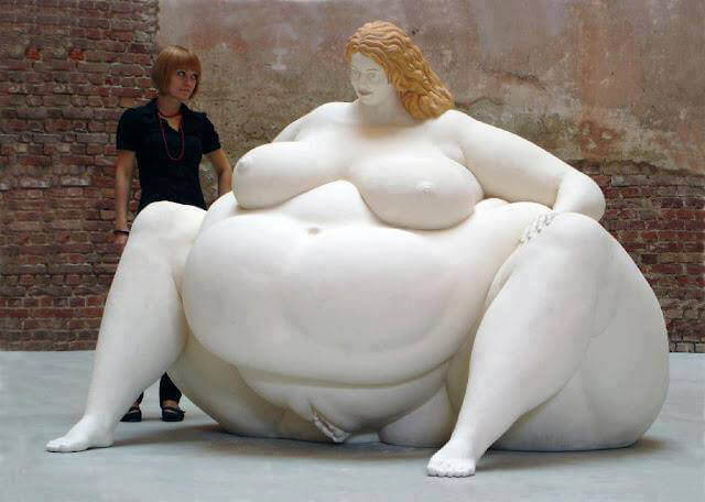 30 Of The World's Most Incredible Sculptures That Took Our Breath Away Fat Lady Statue In San Jos_, Costa Rica